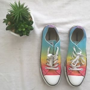 Rainbow low top all star converse women's size 8